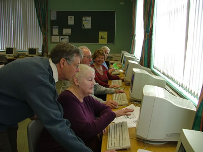 Phil with class of 'Computer Beginners' (2008)